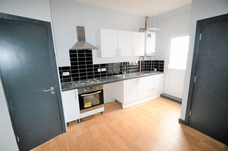1 Bedroom Terraced House To Rent - Photo 2