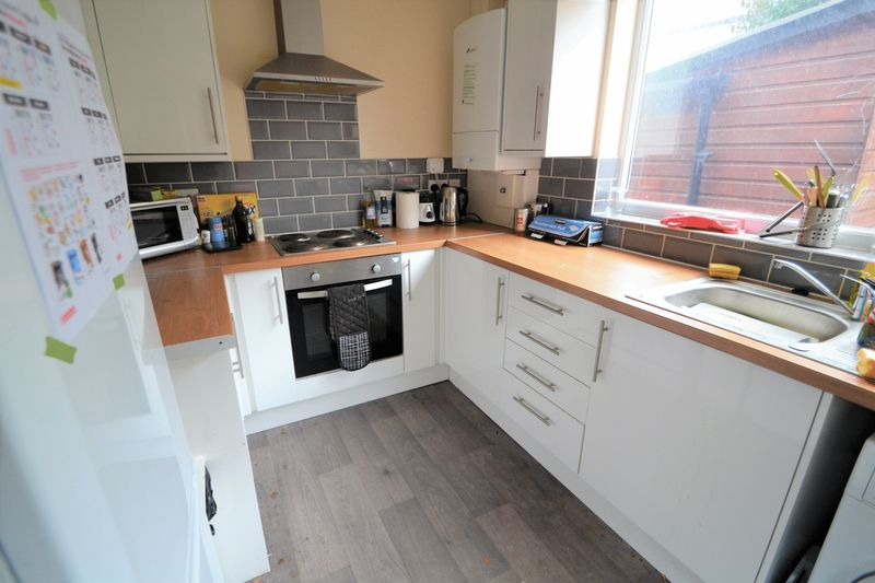 1 Bedroom Semi Detached House To Rent - Photo 6