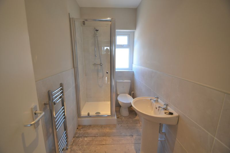 4 Bedroom Terraced House To Rent - Photo 3