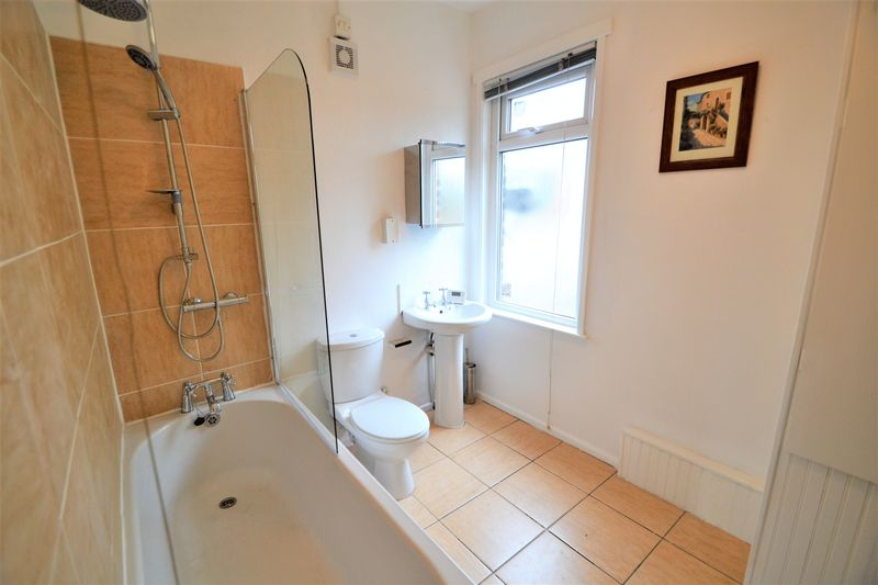 4 Bedroom Terraced House To Rent - Photo 9