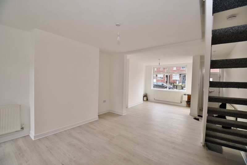 3 Bedroom End Terrace House To Rent - Photo 4