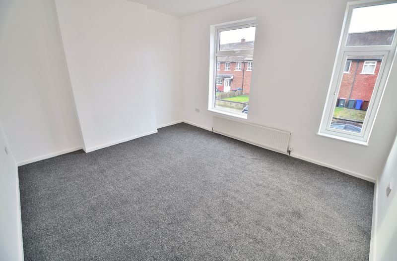 3 Bedroom End Terrace House To Rent - Photo 8