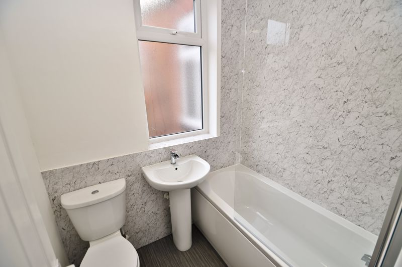 3 Bedroom End Terrace House To Rent - Photo 10