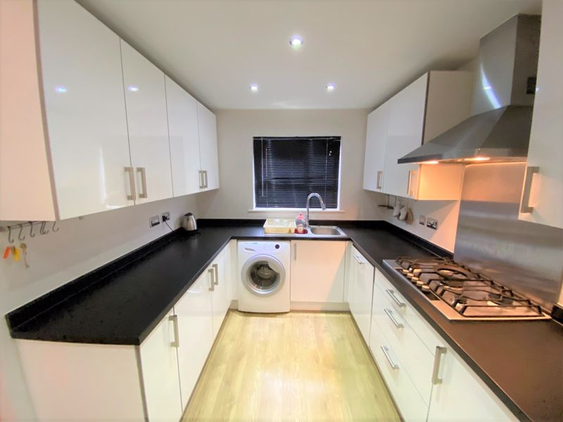 3 Bedroom House To Rent - Photo 13