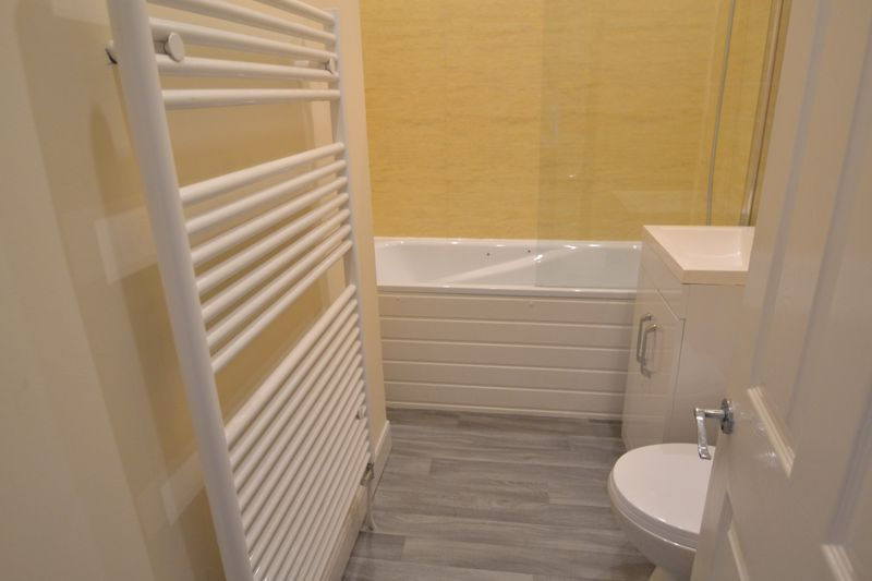 3 Bedroom Terraced House To Rent - Photo 1