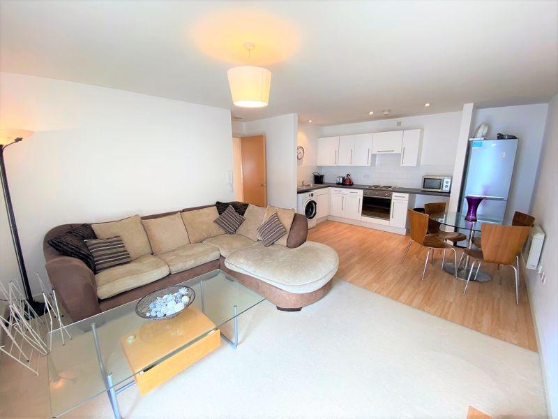 Apartment 27C, Quay 5 Image