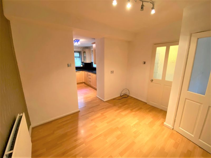 3 Bedroom Semi Detached House To Rent - Photo 9