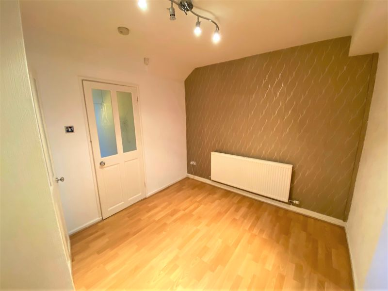3 Bedroom Semi Detached House To Rent - Photo 10