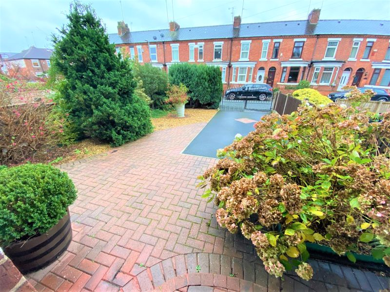 3 Bedroom Semi Detached House To Rent - Photo 11