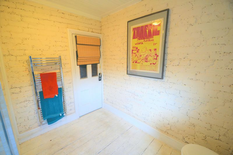 2 Bedroom Terraced House To Rent - Photo 9