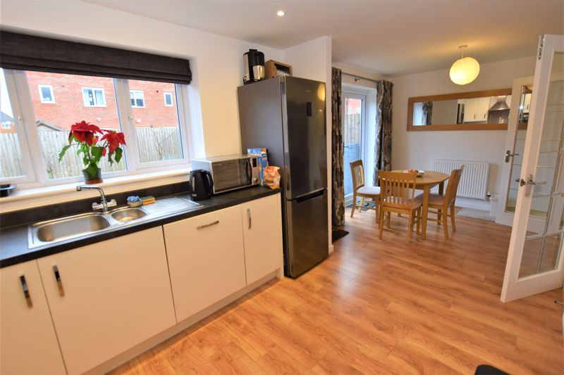 3 Bedroom Detached House For Sale - Photo 11