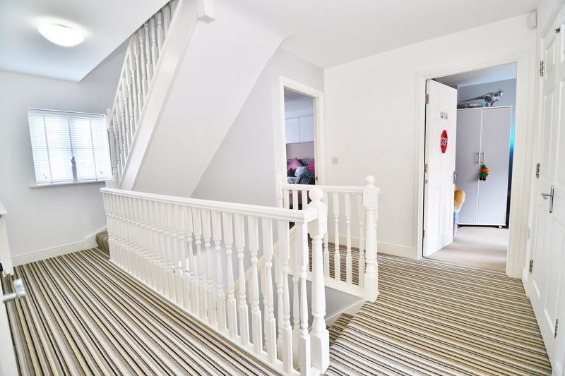 6 Bedroom Detached House For Sale - Photo 4