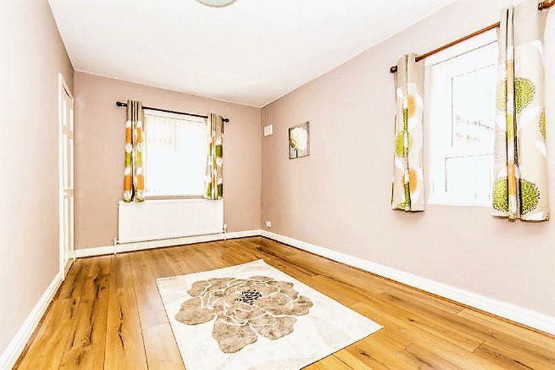 Room 3, 161 Image