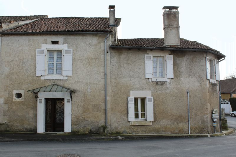 Stone built village house close to Brantome