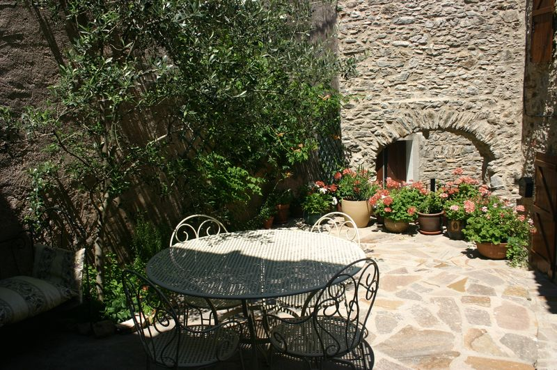 Beautifully renovated stone built house in quiet village
