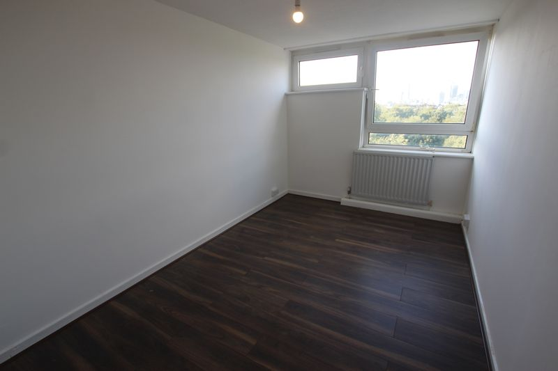 Double room to rent in 3 bedroom Flat- SE15
