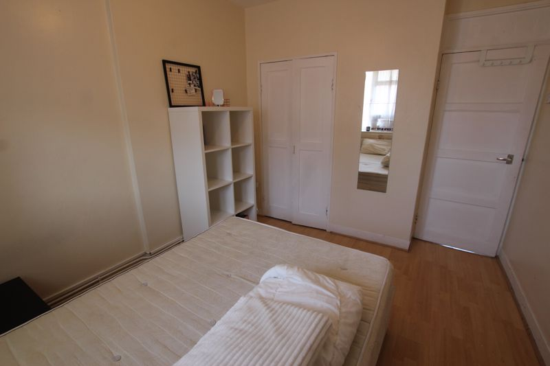 Double Room to rent- Kilburn