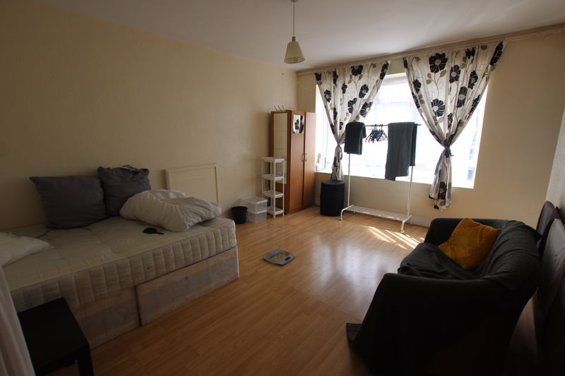 Large Double Room with Private Balcony- NW6