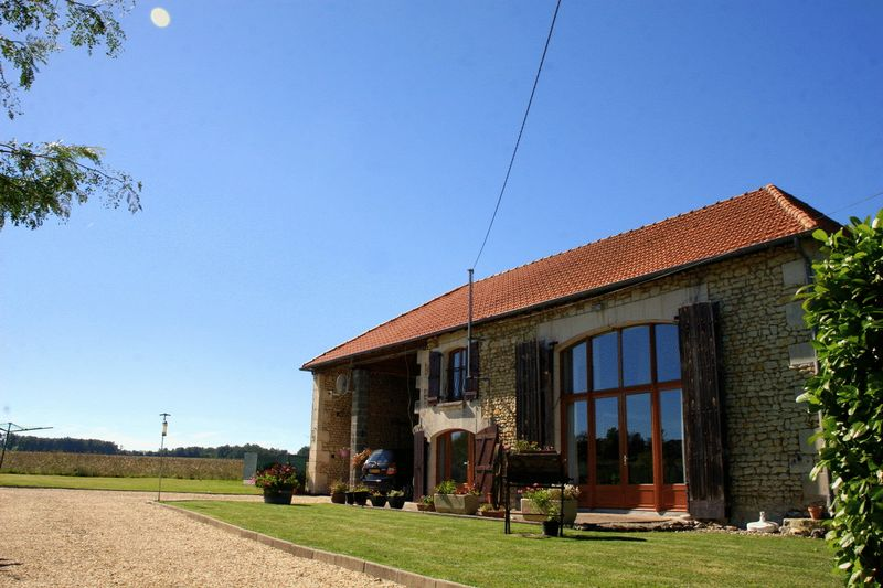 Stunning high quality barn conversion, wealth of period features