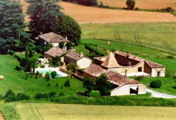 Monflanquin, Country house with 3 gites and pool