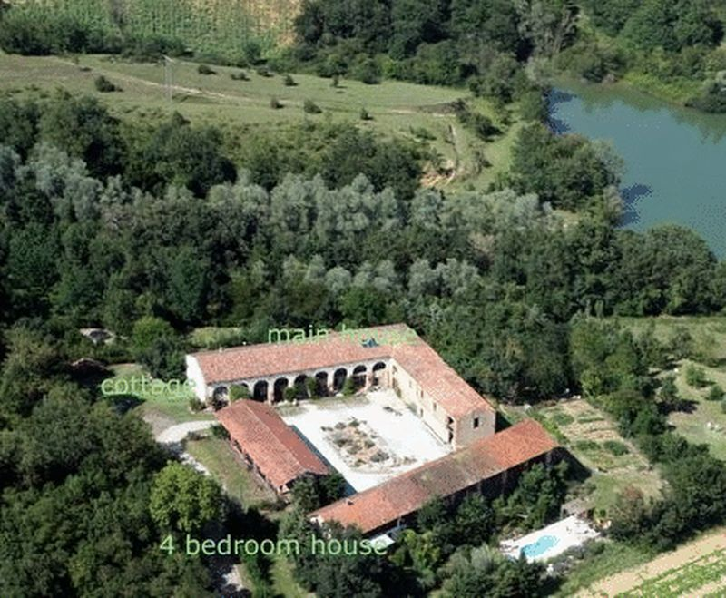 Languedoc estate for sale - with fishing lake