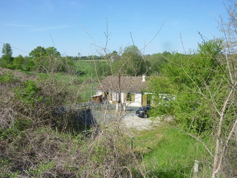 Located in quiet countryside with no immediate neighbours