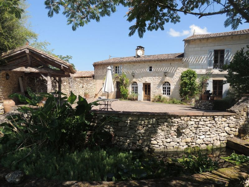 Manor House with luxury gite on the river