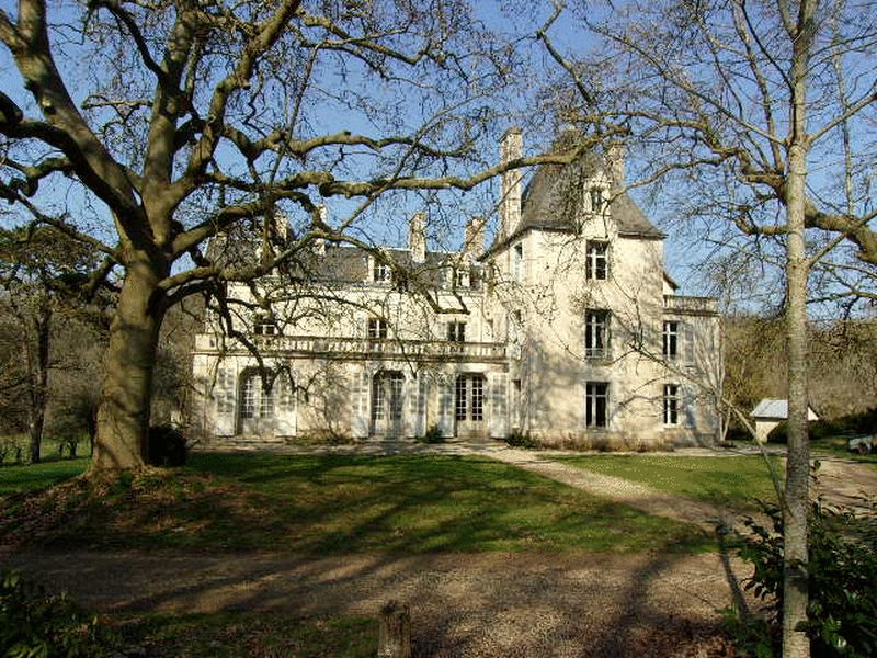 Bargain priced Chateau, in desireable setting