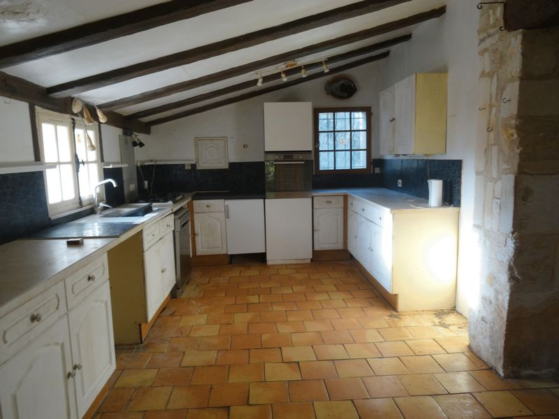 3 bed detached property with pool