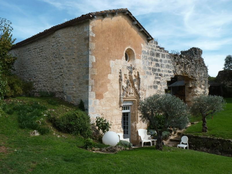 11th century château with 3 bedroom chapel and beautiful enclosed garden