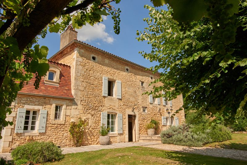 Peace and quiet - 4 bedroom Maison de Maître set in 20 hectares of land