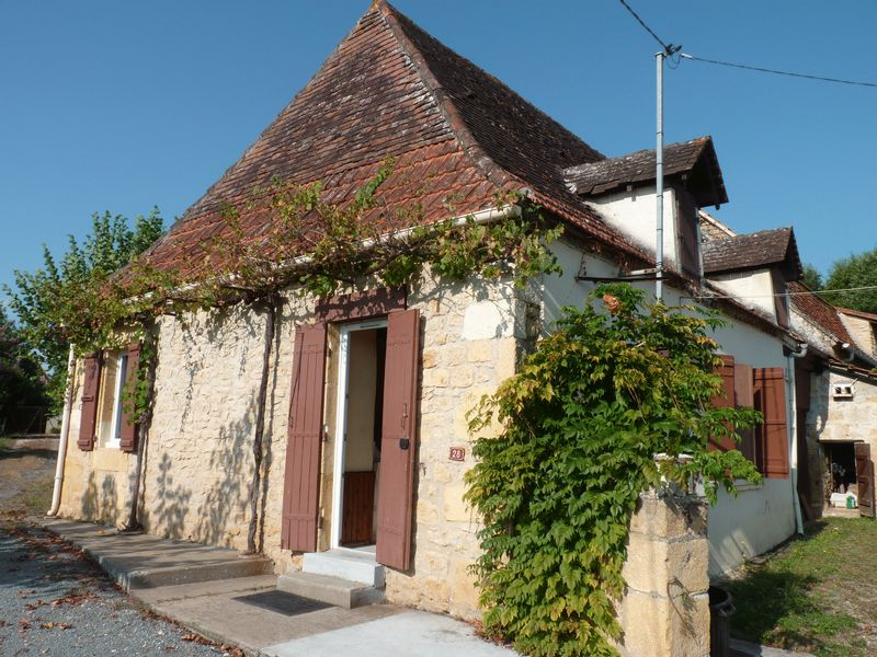2 HOUSES! Fantastic value for 2 houses next to each other in Dordogne