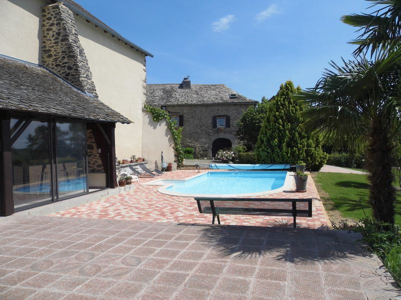 Beautifully restored 5 bedroom property situated in a peaceful hamlet