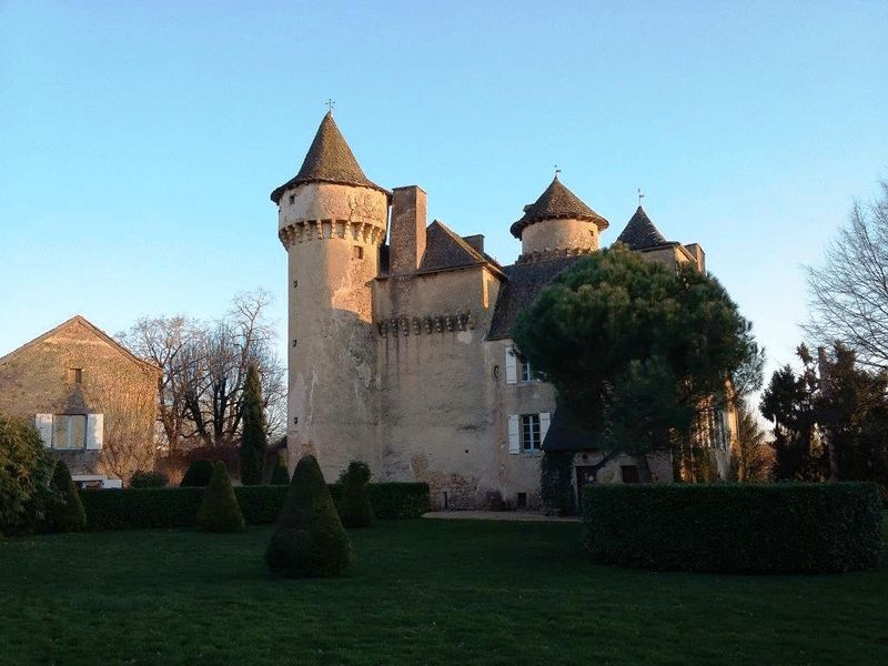 A fairytale 13th century chateau