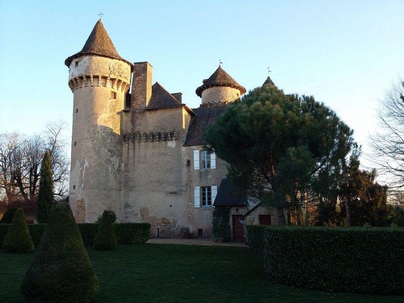 A fairytale 13th century chateau