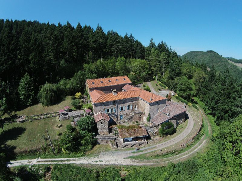 Private house and gites in an area of natural beauty