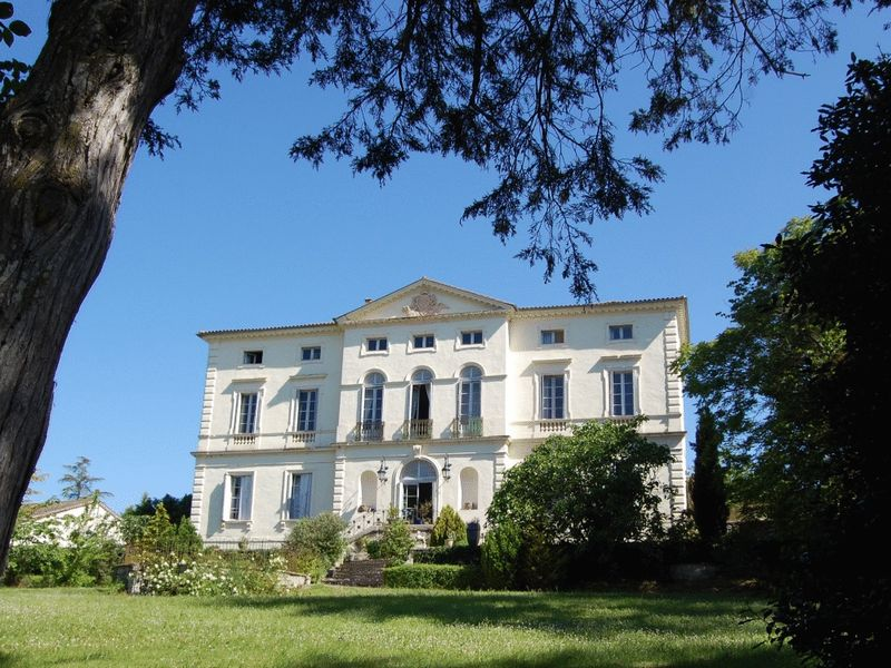 Magnificent C16th chateau in 1,5 hectares of parkland