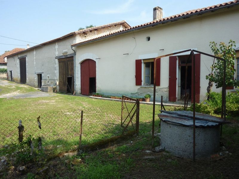 Traditional renovation project just 2kms from Aubeterre sur Dronne