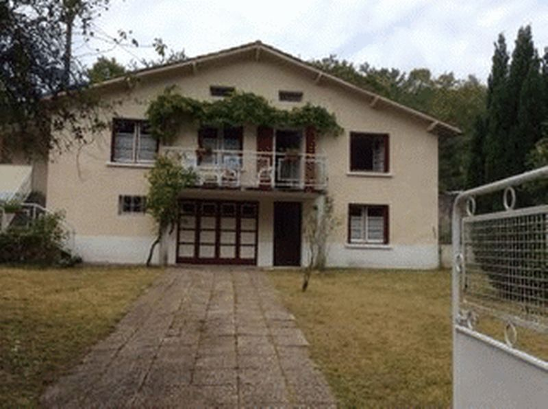 A 2 bedroom detached villa in a pretty village