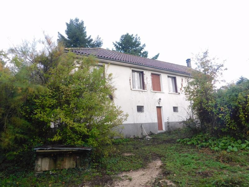 Potential for gites or other income, walking distance to village