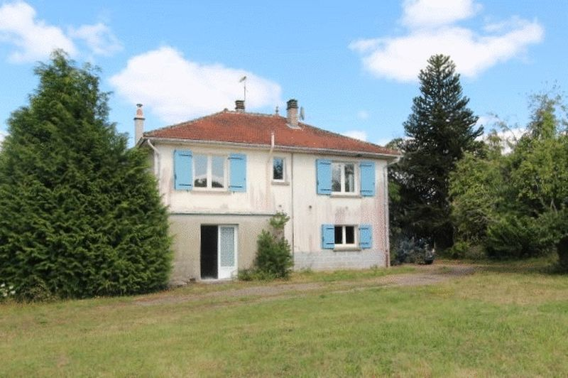 Detached 2 storey house or 2 apartments in the country - you choose
