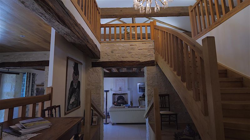 Spectacular 18th century manoir with guest accomodation