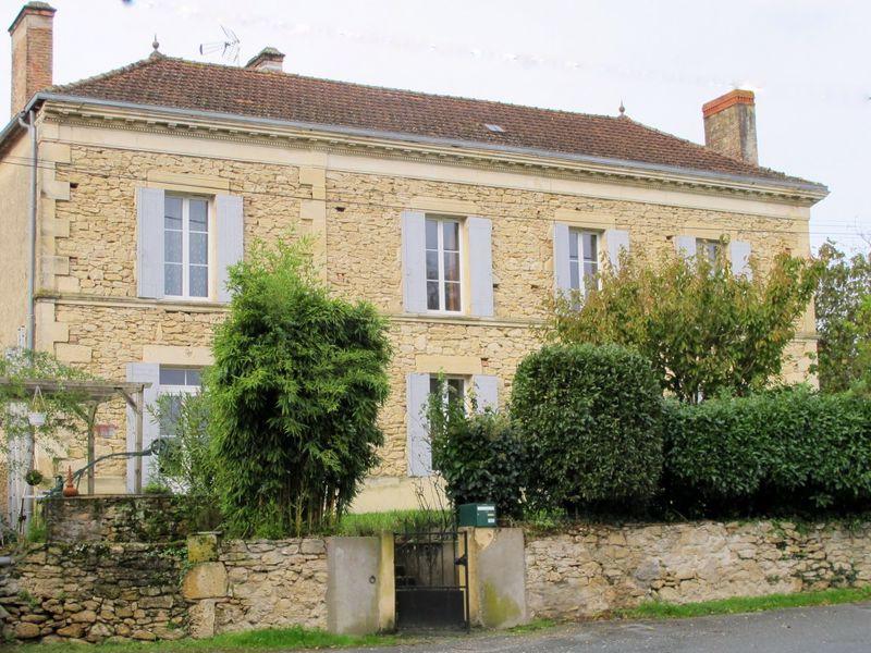 Prestigious 9 Bedroom Maison de Maitre