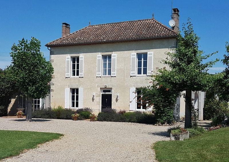 Elegant Maison de Maître in a tranquil setting, Bordeaux region