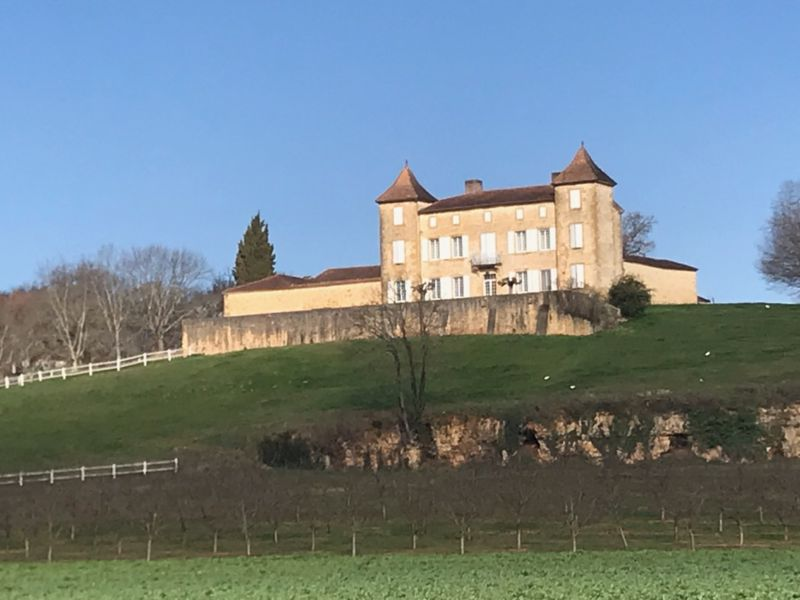 Beautiful small castle overlooking the Lot valley