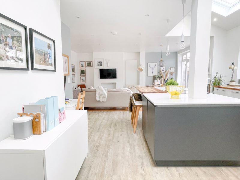 Open Plan Kitchen/Diner/Family Room