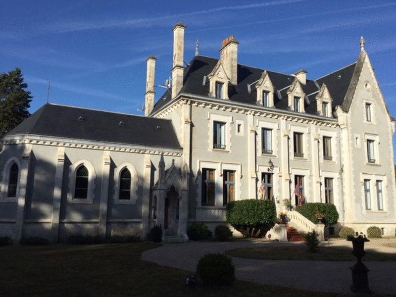 Château luxueux rénové avec beaucoup de style !