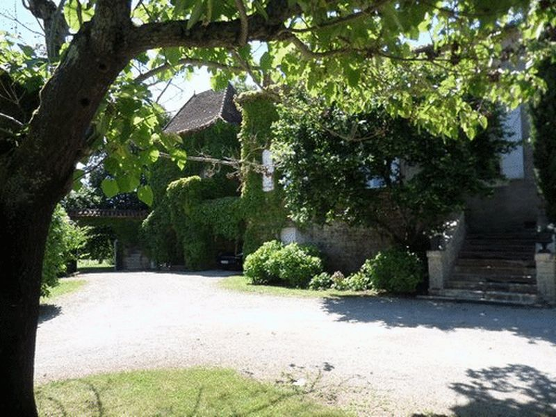 Magnificent 18th century historical chartreuse, outbuildings and land