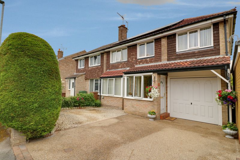 Kerry Drive, Kirk Ella, Hull, East Riding Of Yorkshire, HU10 7NA
