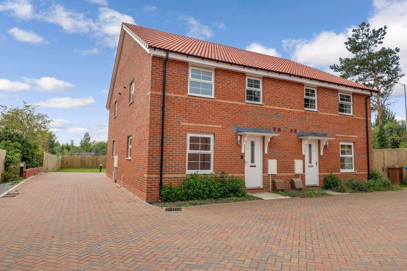 Warbler Drive, Beverley, East Riding Of Yorkshire, HU17 8ZS